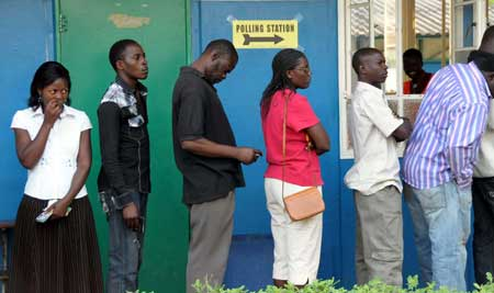 Queues of voters form early