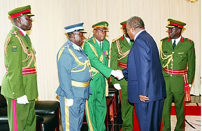 Former army commander apologises to Sata