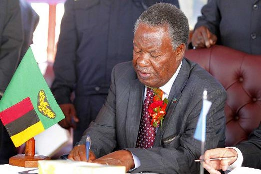 Sata tells HH he is babbyish and should learn to love other tribes