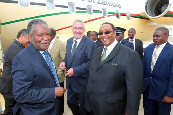 Defence Minister Geoffrey Bwalya Mwamba (in dark glasses) with President Sata (left) and other government officials.