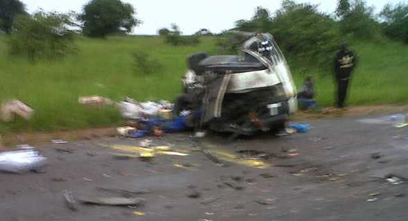 Zambia-Malawi bus crashes with Post newspaper courier van in Katete