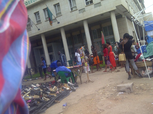 Photo of the day: ACC head office engulfed by street-vendors