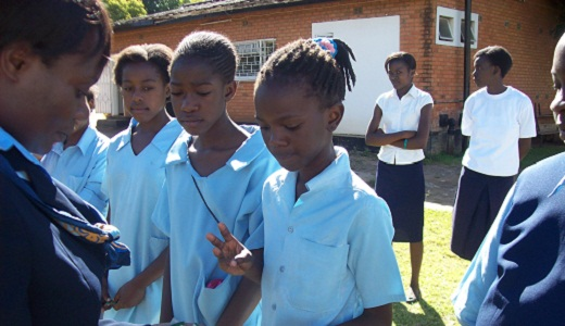 """Girl Guides drop God from pledge – put """"be true to myself"""""""