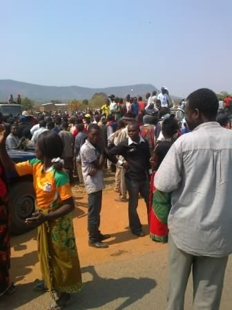 Mkaika voters escort MMD candidate to nominations, chant Sata must go