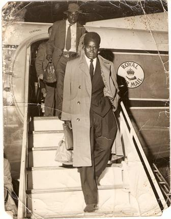 Kuanda returning from signing BA64