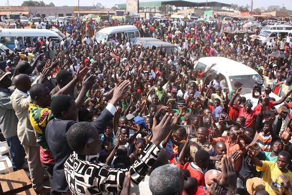 Photos of the day: HH arrives in Solwezi