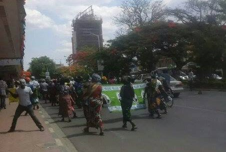 PF supporters protest, accuse Scott of betraying Sata