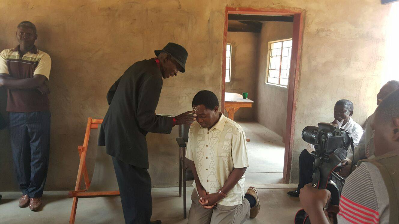 Lubansenshi traditional leader blesses HH, GBM, happy with MP