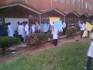 Student doctors join demonstrations