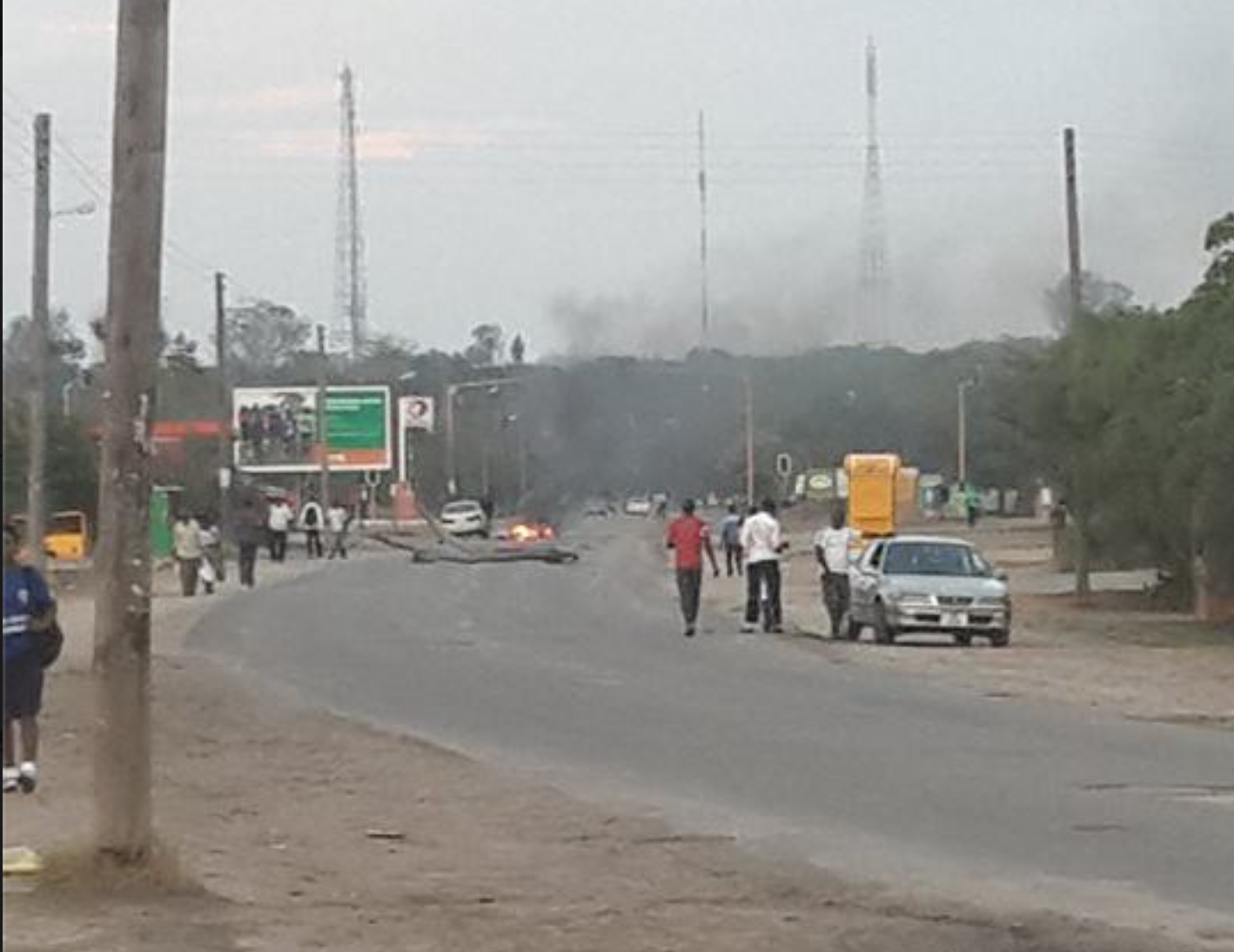 To prevent HH, PF cadres block road into Mongu