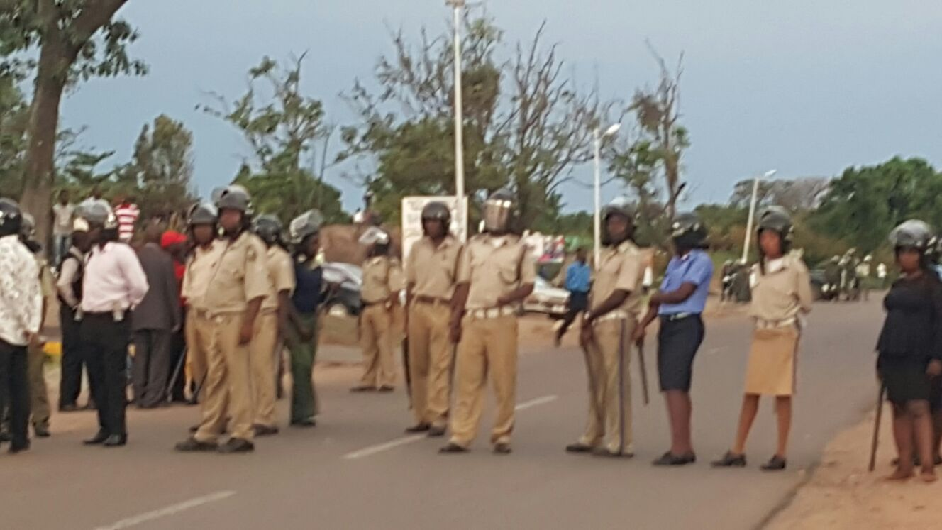 Photo of the day: police block , HH, GBM in Chingola