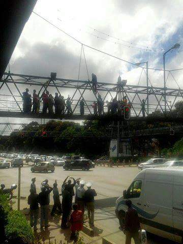 Unemployed Lusaka youth attempts suicide at Manda hill foot bridge
