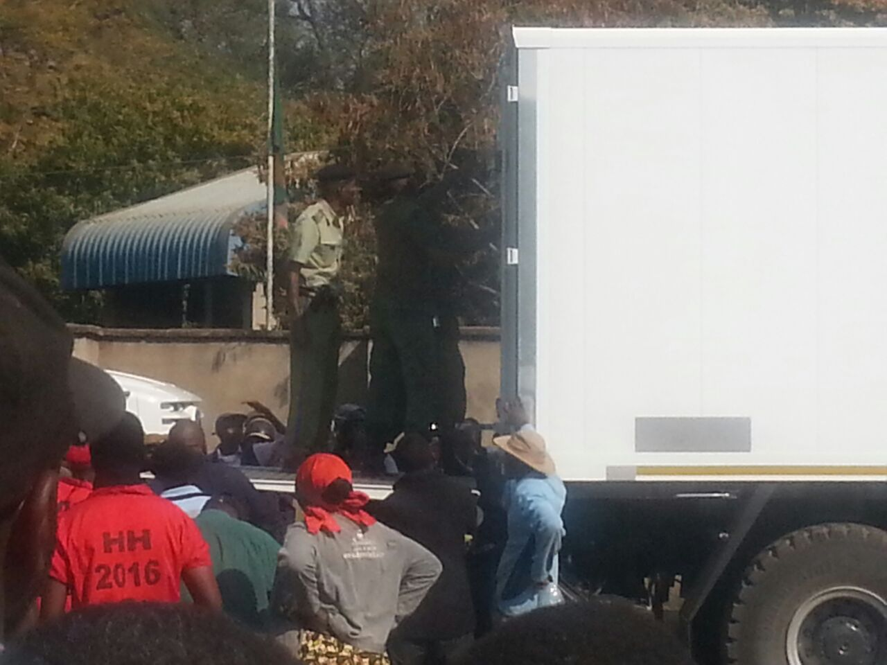 UPND cadres force ECZ to open suspicious trucks