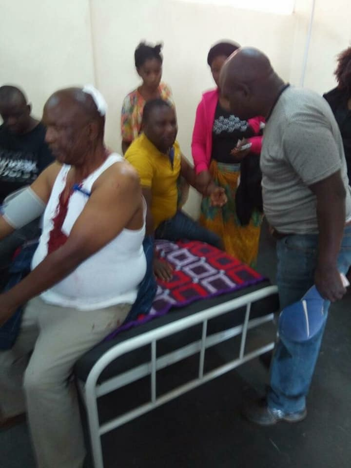 Several injured during govt supporters attack on opposition mourners