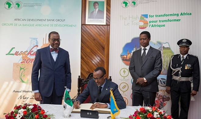 Kagame 'wins' 3rd term, heads to Zambia