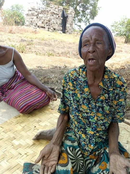 Photo of the day: 80 year old among evicted villagers