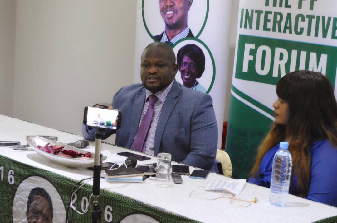 Civil servants are stealing more than us, complains PF