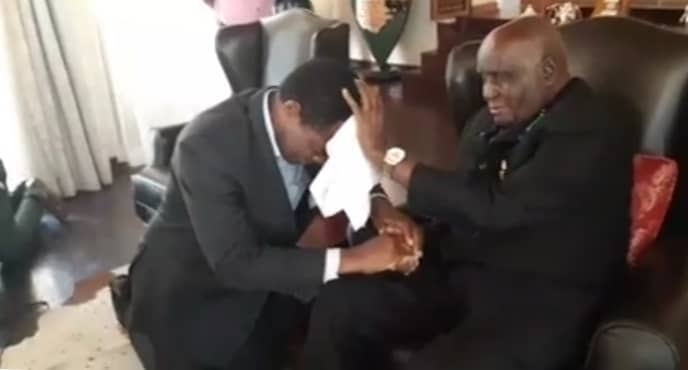 Photos of the day: KK blesses HH