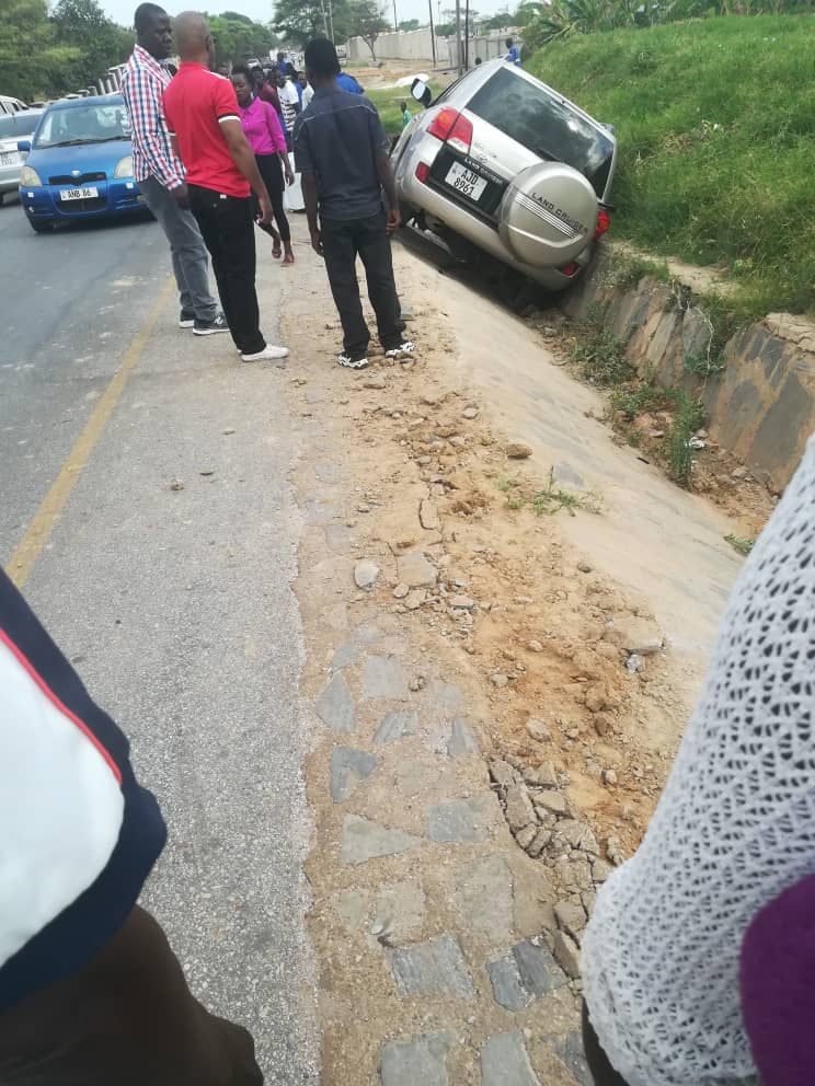Kaizer Zulu causes accident, beats other driver