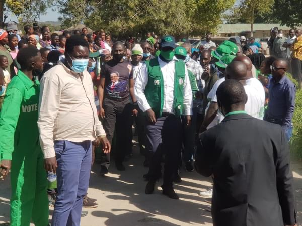Insensitive PF SG continues campaigning during KK funeral